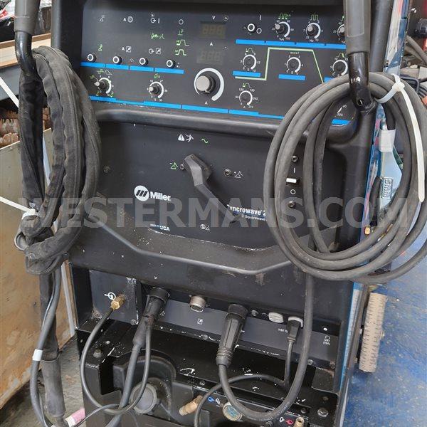 Miller  Syncrowave 250DX  AC/DC TIG Welder water cooled