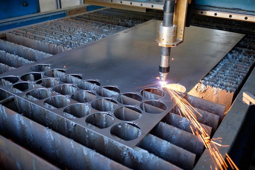Plasma cutting plate cutting