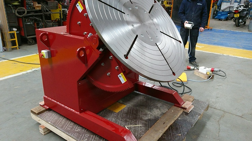 welding positioner with pendant