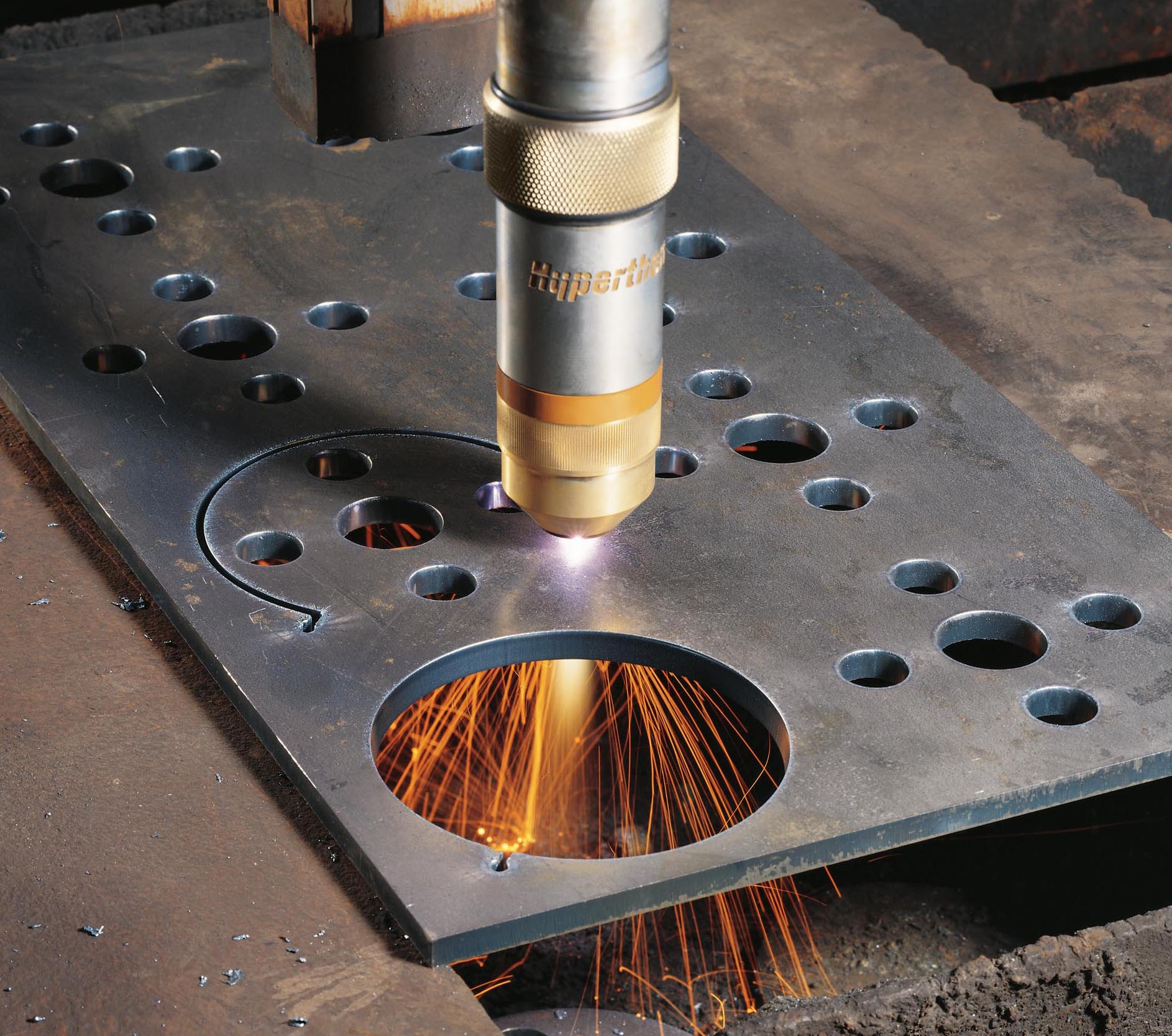Why Plasma Cutting Is a Better Choice Over Laser or Water