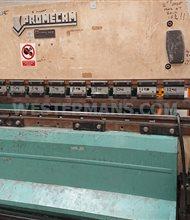 Promecam RG75 ton with light guards