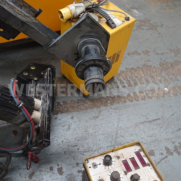 ESAB LAE 800 welder with Soudometal Cladding head