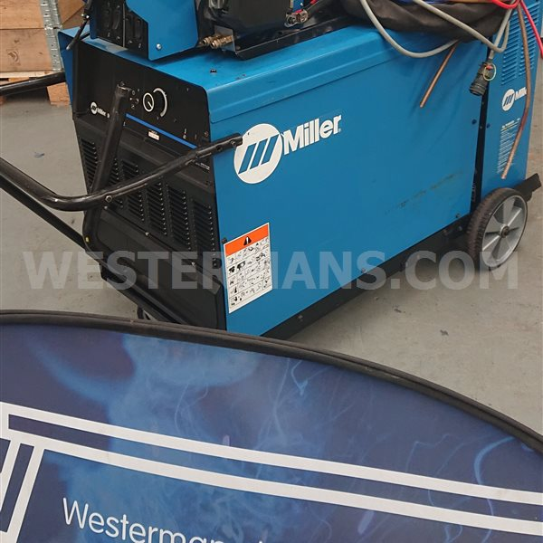 Miller DeltaWeld 852 DC Power Source + S74D Wire Feeder