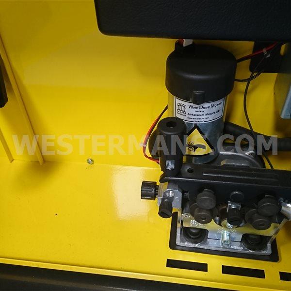ESAB Aristo MIG C3000i MIG welding machine with U6 controller