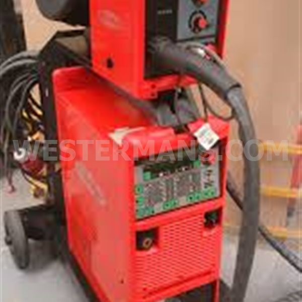 Fronius Transpuls Synergic 4000 MIG welder. Optional Pullmig Torch